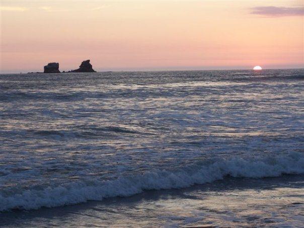 Awe inspiring sunset in Ayampe, a calm gorgeous beach. The Sun Route in the Coastal Region of Ecuador © Carmen Cristina Carpio Tobar